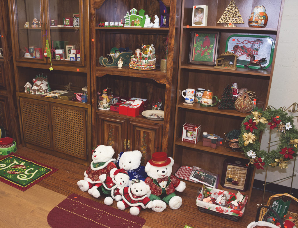 Heirlooms Holiday Room