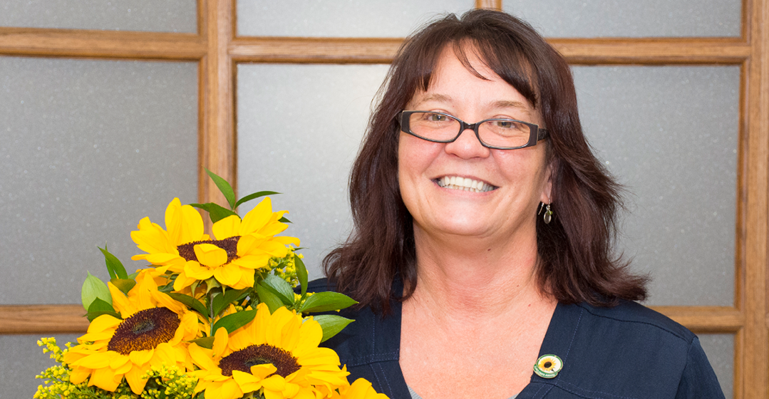 Sheri Mothersole Earns Sunflower Award